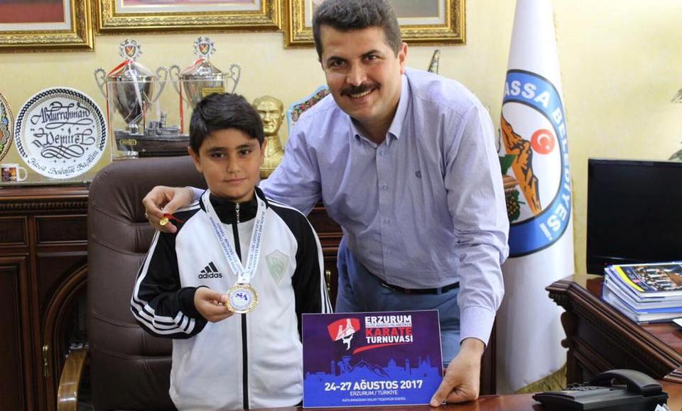Hassa'ya karete şampiyonluğu gururlandırdı