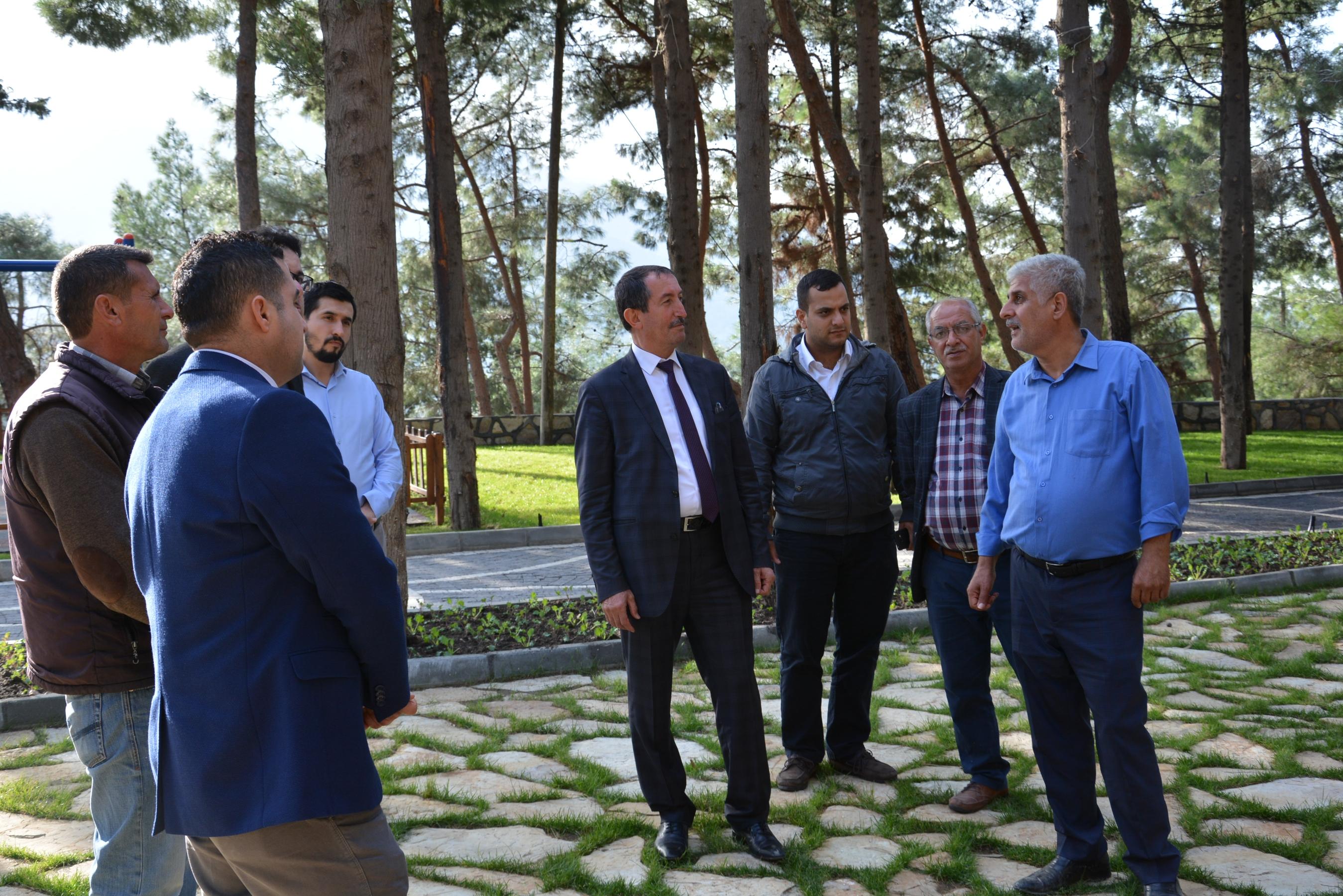 Başkan Vurucu ve Ümraniye Belediyesi heyeti Abideyi gezdi