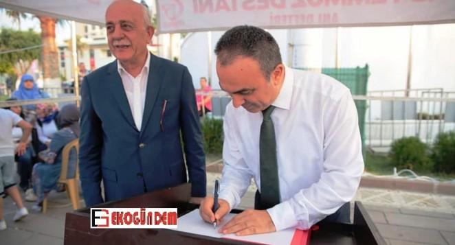 Soytürk, düşüncelerini 15 Temmuz Anı Defterine yazdı
